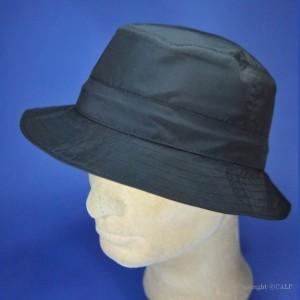 chapeau de pluie noir en Gore-Tex