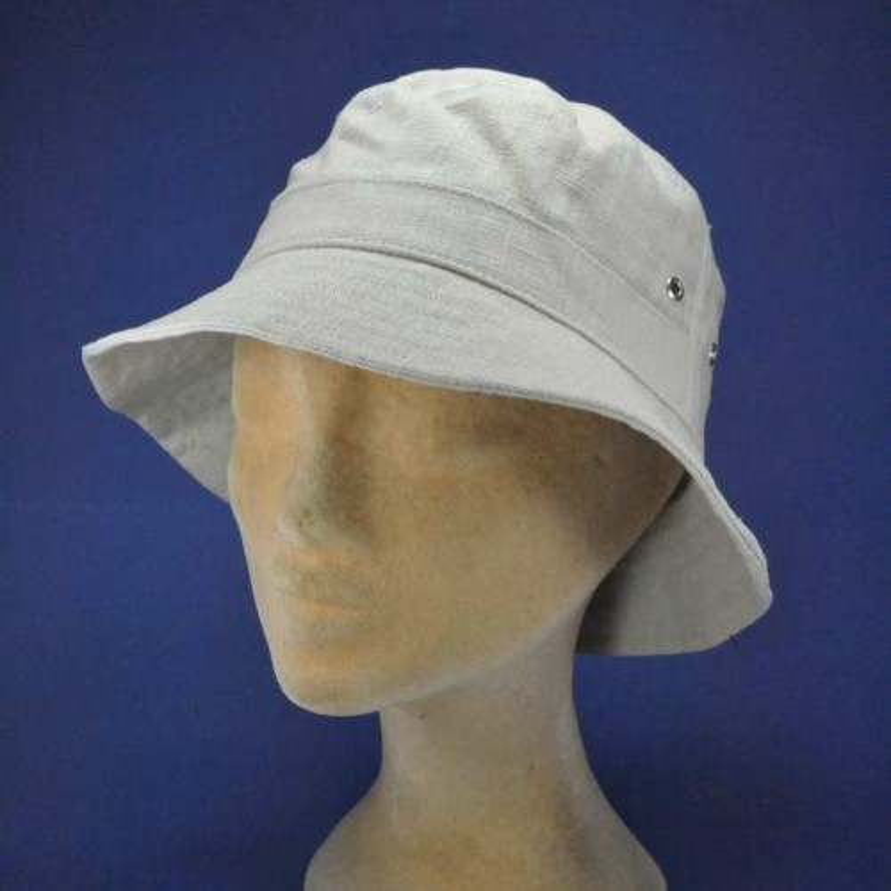 Petit chapeau en lin pour femmes