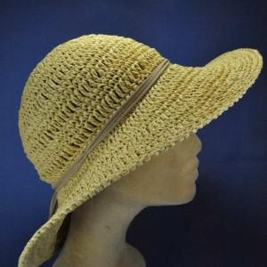 Chapeau grand bord macramé